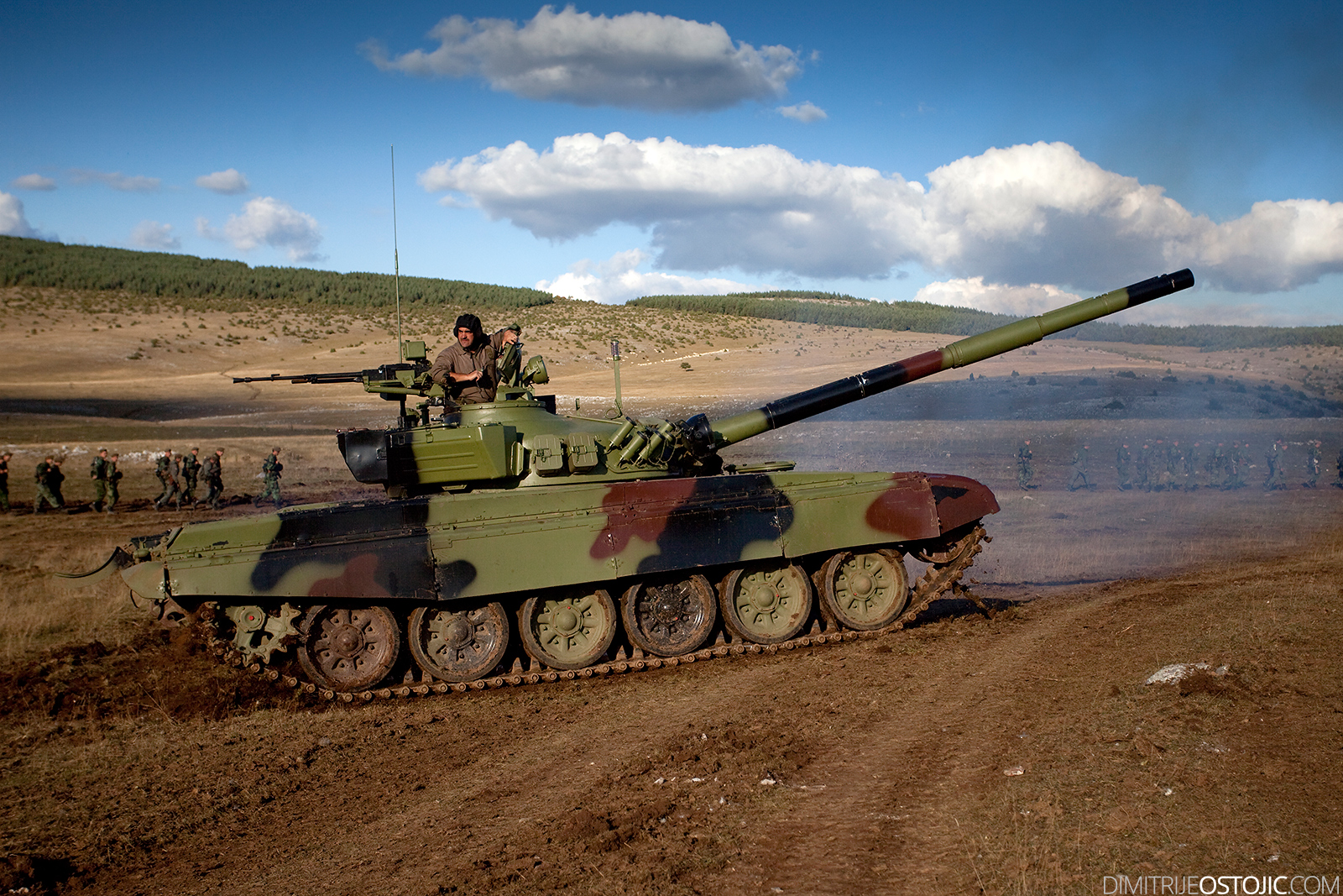 M-84 Serbian Army ,military exercise Odlucan Odgovor 2009, Serbia, Pesterska visoravan, Oktobar 2009 © www.dimitrijeostojic.com