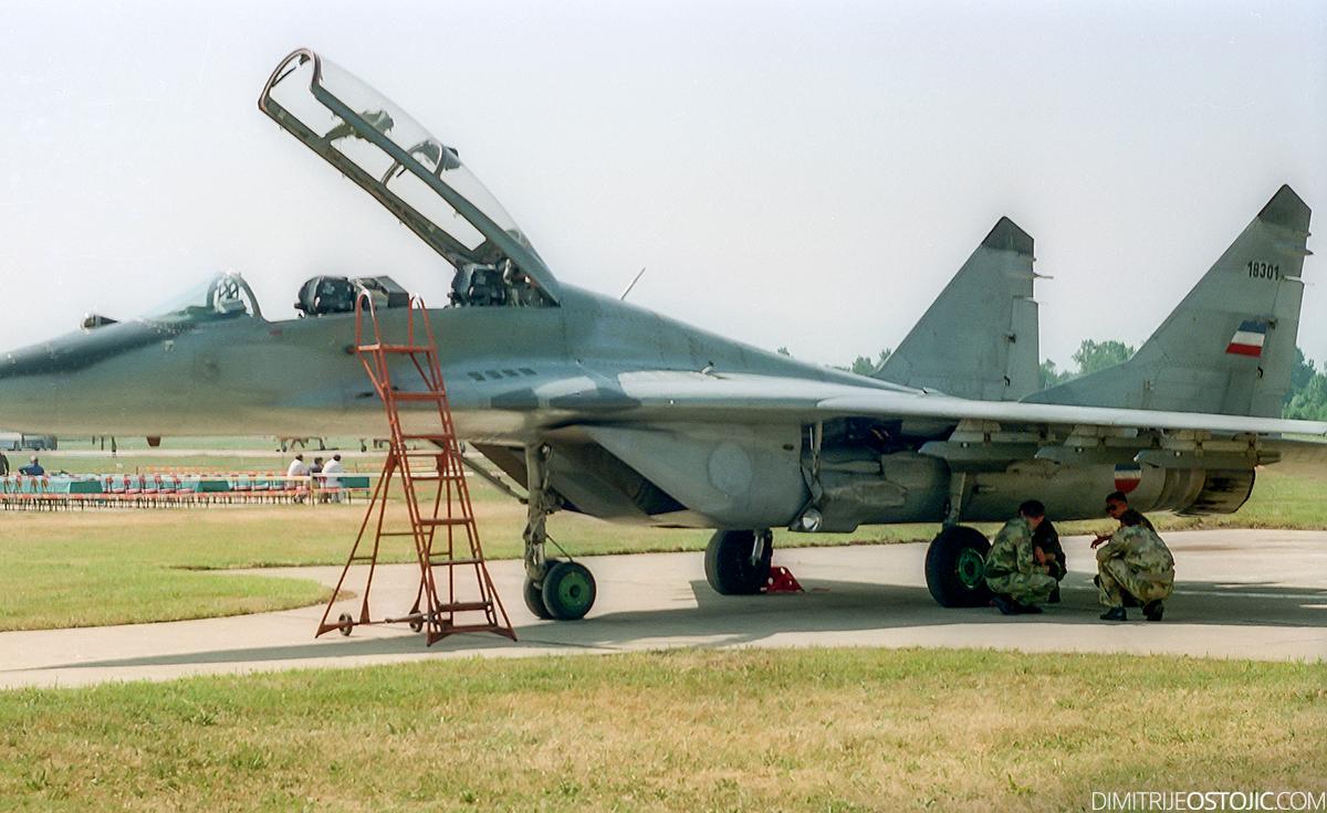 MiG-29 UB © Dimitrije Ostojic // www.dimitrijeostojic.com